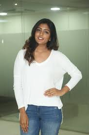 actress eesha rebba real face without makeup in white top jeans