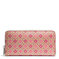 The Waverly Accordion Zip Wallet In Signature Coated Canvas from Coach.....Love  this!!!