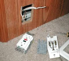 add dinette 110v outlet the campers receptacles are boxless so ill need a custom box for the gfi shown is new gfi removed old plug