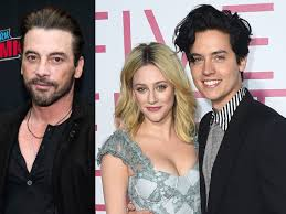 Skeet Ulrich implies Lili Reinhart and Cole Sprouse split
