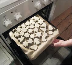 Christbaumschmuck Aus Salzteig Im Ofen Geolino
