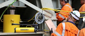 enerpac powerful solutions global force global leader in hydraulic tools