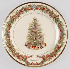 Amazoncom  Spode Christmas Tree 1012Inch Dinner Plates Set Lenox Christmas Tree Plates