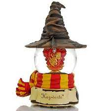 Expert sculpting and detail, from the worn leather look of his overcoat to the buckles on his boots. The San Francisco Music Box Company Harry Potter Gryffindor Sorting Hat Water Globe At Hsn Com Harry Potter Decor Harry Potter Snow Globe Harry Potter Dolls