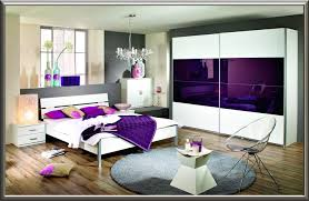 Schlafzimmer Ideen Wandgestaltung Lila Streichen Ideen