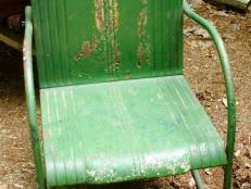 Tips for Refinishing Wooden Outdoor Furniture