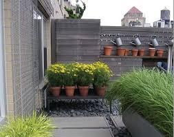 Como decorar quintal de cimento com jardim vertical. Como Fazer Um Jardim No Quintal Cimentado Decorando Casas