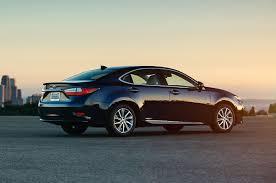 2017 Lexus ES300h Reviews and Rating | Motor Trend