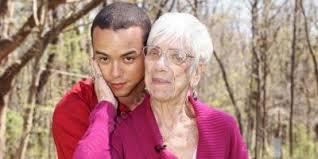 Femme plus âgée relation homme | Les meilleurs nouveaux films