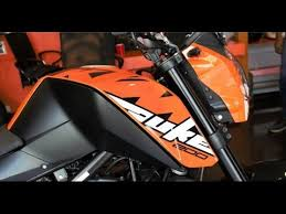 2018 ktm duke 200 t.  duke 2017 ktm duke 200 firstlookwalkaround and exhaust note with 2018 ktm duke t