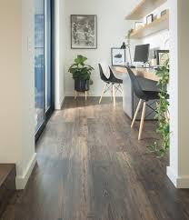 the benefits of luxury vinyl flooring