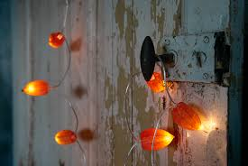 diy halloween lighting. DIY: Pumpkin Lights Without The Plastic Diy Halloween Lighting T