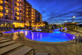 looking for a luxurious resort to per yourself secluded cabin in the smoky mounns or even a top rated hotel with a great location to the top