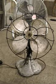 small antique rusted metal 4 blade desk fan 75
