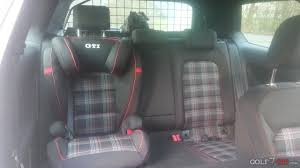 as you can see it uses the car s seat belt to secure the passenger however if you do not use latch or isofix the seat itself is not secured at all