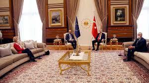 Von der Leyen auf dem Sofa: Sitzordnung bei Erdogan sorgt für Empörung -  GrenzEcho