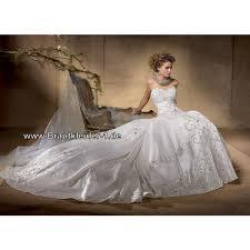 Brautkleid mit Schleppe auf Rechnung: Brautkleider mit Schleppe ...