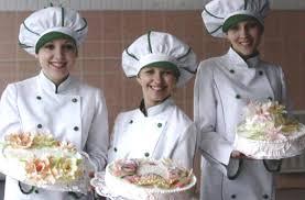 Профессия Повар Кондитер  Для работы в ресторанах и кафе требуется начальное профессиональное образование а также диплом подтверждающий квалификацию повара кондитера