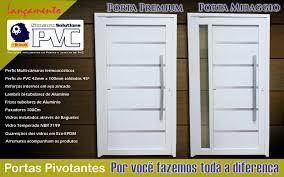 Existem modelos de portas e janelas de vidro, de alumínio, 4 folhas, de madeira maciça, de ferro, brancas, de pvc e muito mais. Portas Pivotantes Em Pvc Com Lambril Em Aluminio Brimak Portas E Janelas