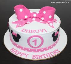 Minnie Mouse Theme Small Customized Designer Fondant Cake For Girls