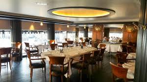 ... Le Garnier Table dresse