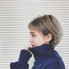 40代アラフォー女性に人気のショートボブ例15選丸顔に似合う髪型は