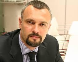 """Andrei Burz-Pînzaru (foto stanga), partener Reff și Asociaţii, adaugă: """"Ne bucură și onorează recunoașterea publică adusă de premiile primite, care confirmă ... - Andrei%2520Burz-Pinzaru%2520lat"""