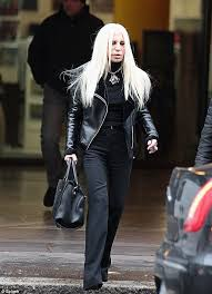 what happened donatella s face has suddenly gotten puffy and bloated