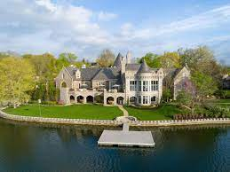 this lakefront kansas city home is