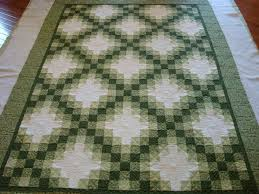 Irish Chain Quilt with Celtic Knots | Quilts and Such | Pinterest ... & Irish Chain Quilt with Celtic Knots | Quilts and Such | Pinterest | Irish  chain quilt, Celtic knots and Chains Adamdwight.com