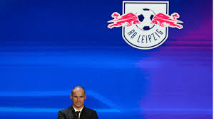 Hat der fc bayern pech, heißen die vorrundengegner in der champions league real madrid, fc arsenal oder as rom. Ou4cx7obf1kk M