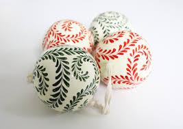 Christmas Swirls Kashmir Baubles Traditional Christmas Swirls Set Of 4