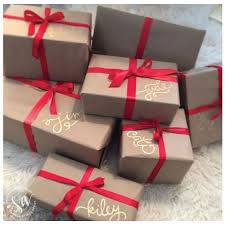 Love these ideas for dressing up brown paper packages at Christmas! Save  money on wrapping