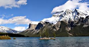 Lake Minnewanka Wikipedia