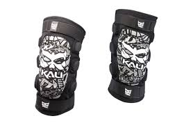 Kali Knee Pads Size Chart Kali Protectives Aazis Knee Pad Reviews Comparisons
