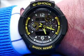men s casio g shock gravity defier alarm chronograph radio looks classy not too big great smart or casual great functions 5 alarms very useful time calibration gives confidence that watch is 100% accurate
