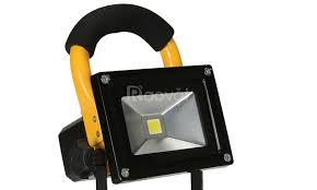 Đèn pha LED sạc 10W 20W xách tay chính hãng - Đại lý bán đèn pha led - Máy  giặt - VnExpress Rao Vặt