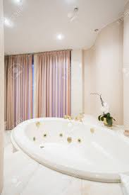 size apartment decorative round bath tub 29 38679229 big bathtub with massage in old fashioned bathroom round