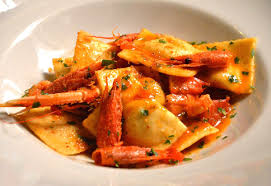 Risultati immagini per •Ravioli di pesce in vellutata di scampi e pistacchio