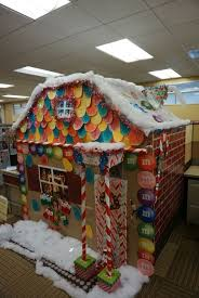 christmas decorating ideas for office. Uncategorized Cubicle Christmas Decorating Ideas Woman Transforms Into Holiday Themed Log Cabin Wins Company Simple Office For