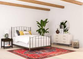 Bed Frame Pros and Cons: How to Find the Bed Frame that's Right for You