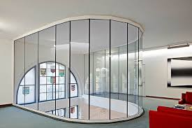 fire resistant glazing ei30 glass to glass joint arranged in a semicircle