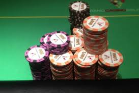 How Real Casino and Commercial Poker Chips Are Made | Automatic Poker