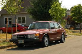 OLD PARKED CARS.: 1980 Saab 900 Turbo.