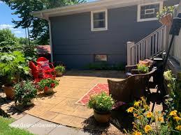 creating a cozy outdoor garden room