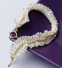learn how to make crystal jewelry with this ruffled beaded bracelet design
