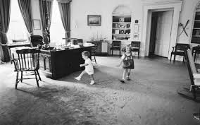 Jfk oval office Desk Articles With Jfk Oval Office Images Tag Oval Office Images Photo Tahheetchcom John Kennedy Oval Office Hot Trending Now