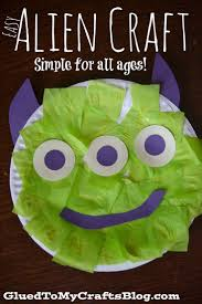 Easy Paper Plate Alien {Kid Craft