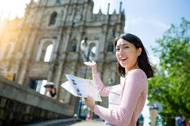 What Skills Make a Tour Guide With 5 Star Quality - Checkfront