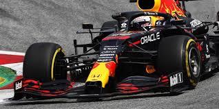 Zunächst hatte es so ausgesehen, als würde es einen zweikampf. F1 Rennen Steiermark 2021 Verstappen Gewinnt Vor Hamilton